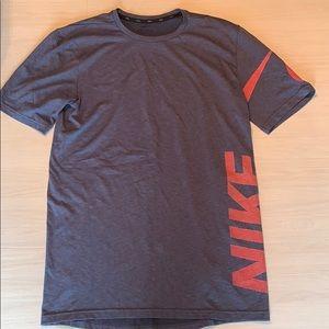Nike dry fit super comfy T shirt